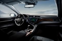 new-toyota-camry-interior-06-full_tcm-3033-1484242